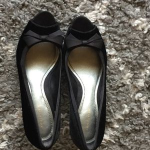 Ann Taylor velour and satin heels size 8 1/2
